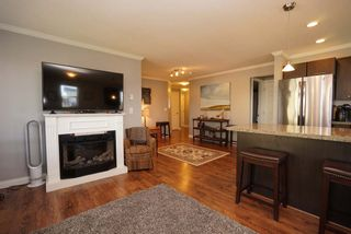 """Photo 6: 312 5488 198 Street in Langley: Langley City Condo for sale in """"Brooklyn Wynd"""" : MLS®# R2501188"""