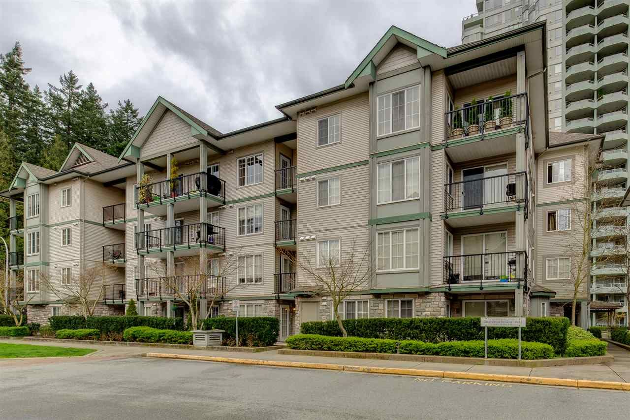 """Main Photo: 305 14859 100 Avenue in Surrey: Guildford Condo for sale in """"GUILDFORD PARK PLACE CHATSWORTH"""" (North Surrey)  : MLS®# R2046628"""