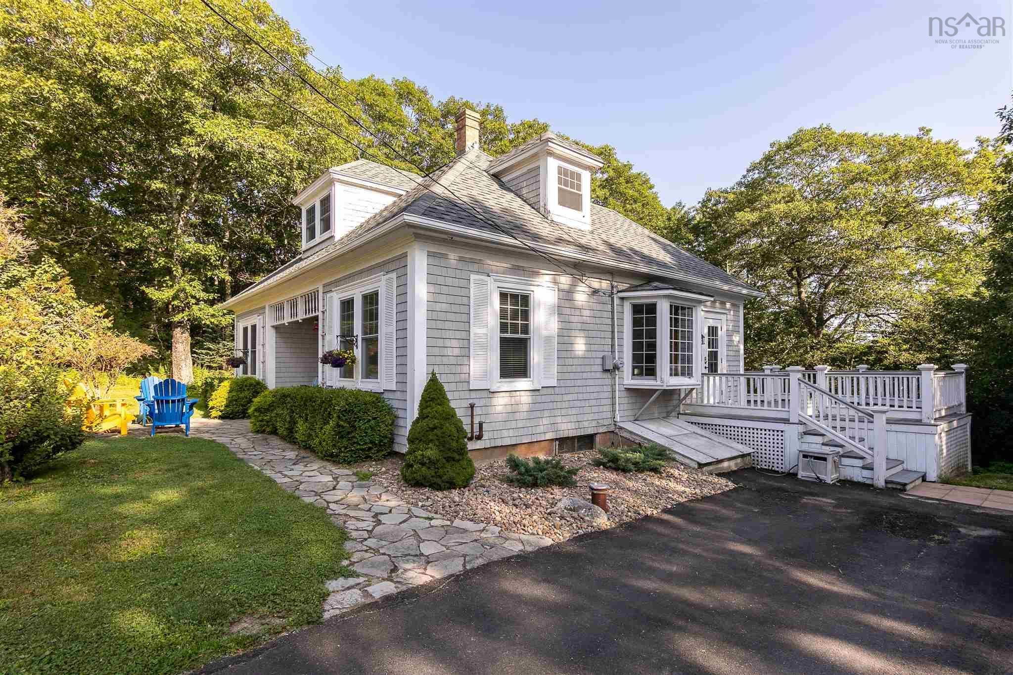 Main Photo: 135 Drews Hill Road in Petit Riviere: 405-Lunenburg County Residential for sale (South Shore)  : MLS®# 202121388