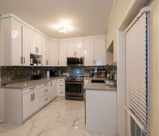 """Photo 14: 33 8675 209 Street in Langley: Walnut Grove House for sale in """"THE SYCAMORES"""" : MLS®# R2625315"""