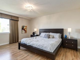 Photo 25: 123 SIGNATURE Terrace SW in Calgary: Signal Hill Detached for sale : MLS®# C4303183