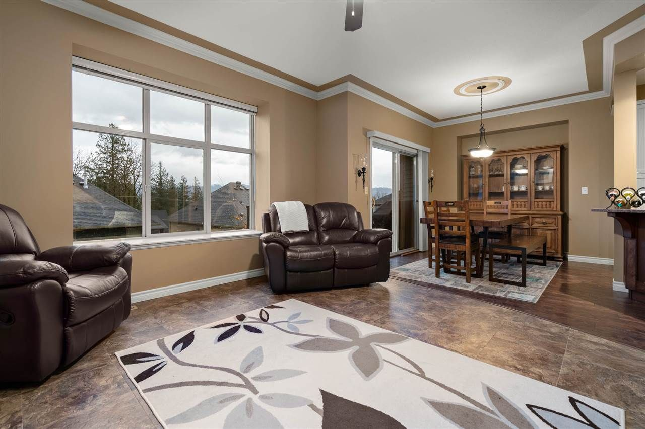 """Photo 10: Photos: 30 36169 LOWER SUMAS MOUNTAIN Road in Abbotsford: Abbotsford East House for sale in """"JUNCTION CREEK"""" : MLS®# R2518585"""