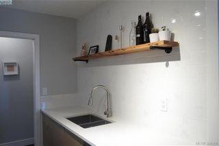 Photo 3: 301 3225 Eldon Pl in VICTORIA: SW Rudd Park Condo for sale (Saanich West)  : MLS®# 772266