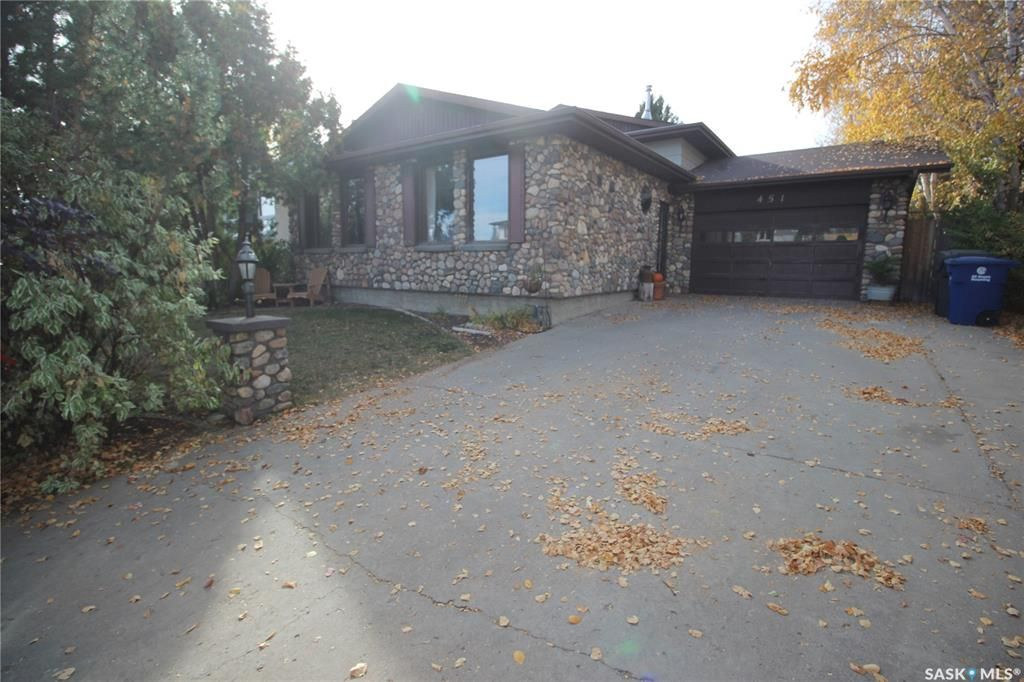 Main Photo: 451 Ball Way in Saskatoon: Silverwood Heights Residential for sale : MLS®# SK872262