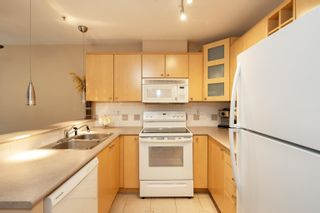 """Photo 7: 227 3122 ST JOHNS Street in Port Moody: Port Moody Centre Condo for sale in """"SONRISA"""" : MLS®# R2620860"""