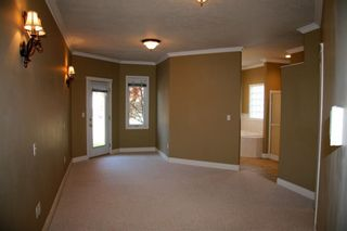 Photo 5: 939 HEACOCK Road NW in Edmonton: Zone 14 House for sale : MLS®# E4221670