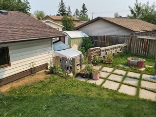 Photo 7: 25 Templehill Place NE in Calgary: Temple Semi Detached for sale : MLS®# A1152305