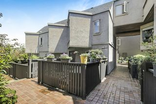 """Photo 4: 10 870 W 7TH Avenue in Vancouver: Fairview VW Townhouse for sale in """"Laurel Court"""" (Vancouver West)  : MLS®# R2594684"""