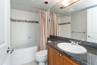 Photo 15: 1905 235 GUILDFORD WAY in Port Moody: North Shore Pt Moody Condo for sale : MLS®# R2404474