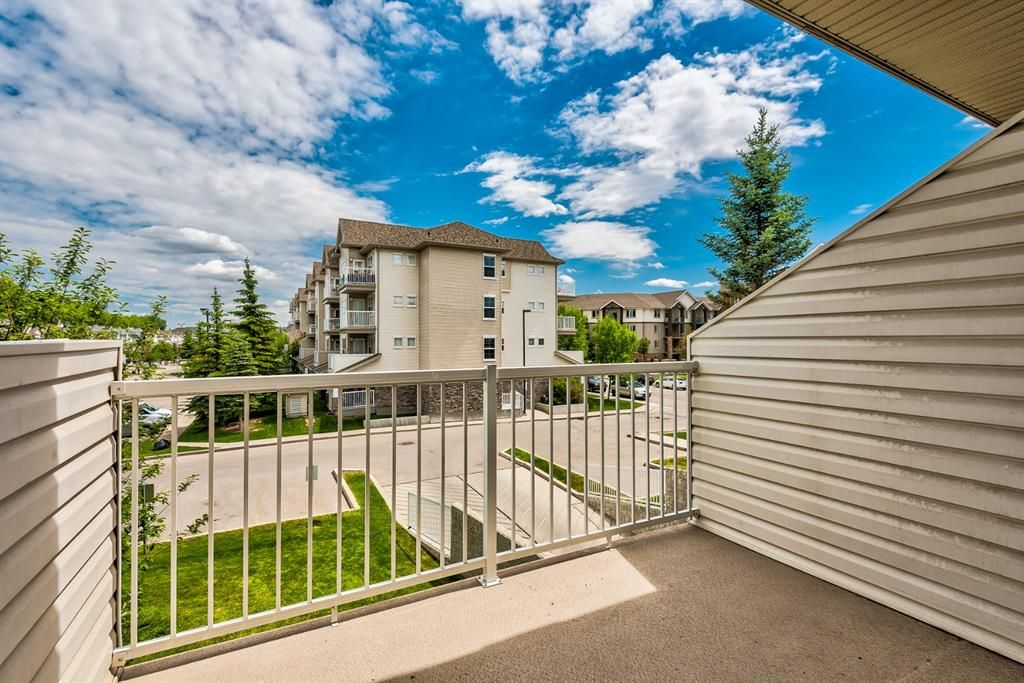 Photo 10: Photos: 204 1000 Applevillage Court SE in Calgary: Applewood Park Apartment for sale : MLS®# A1121312