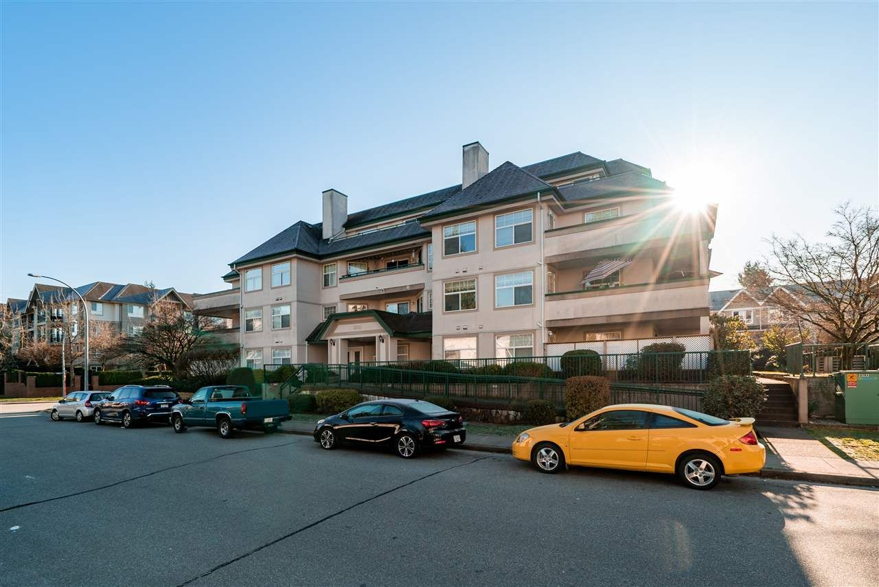 "Main Photo: 205 1618 GRANT Avenue in Port Coquitlam: Glenwood PQ Condo for sale in ""Wedgewood Manor"" : MLS®# R2422758"