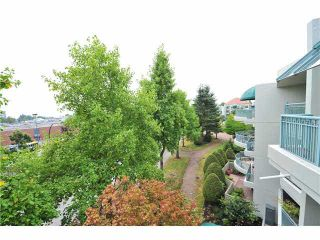 """Photo 10: 412 1785 MARTIN Drive in Surrey: Sunnyside Park Surrey Condo for sale in """"SOUTHWYND"""" (South Surrey White Rock)  : MLS®# F1419891"""