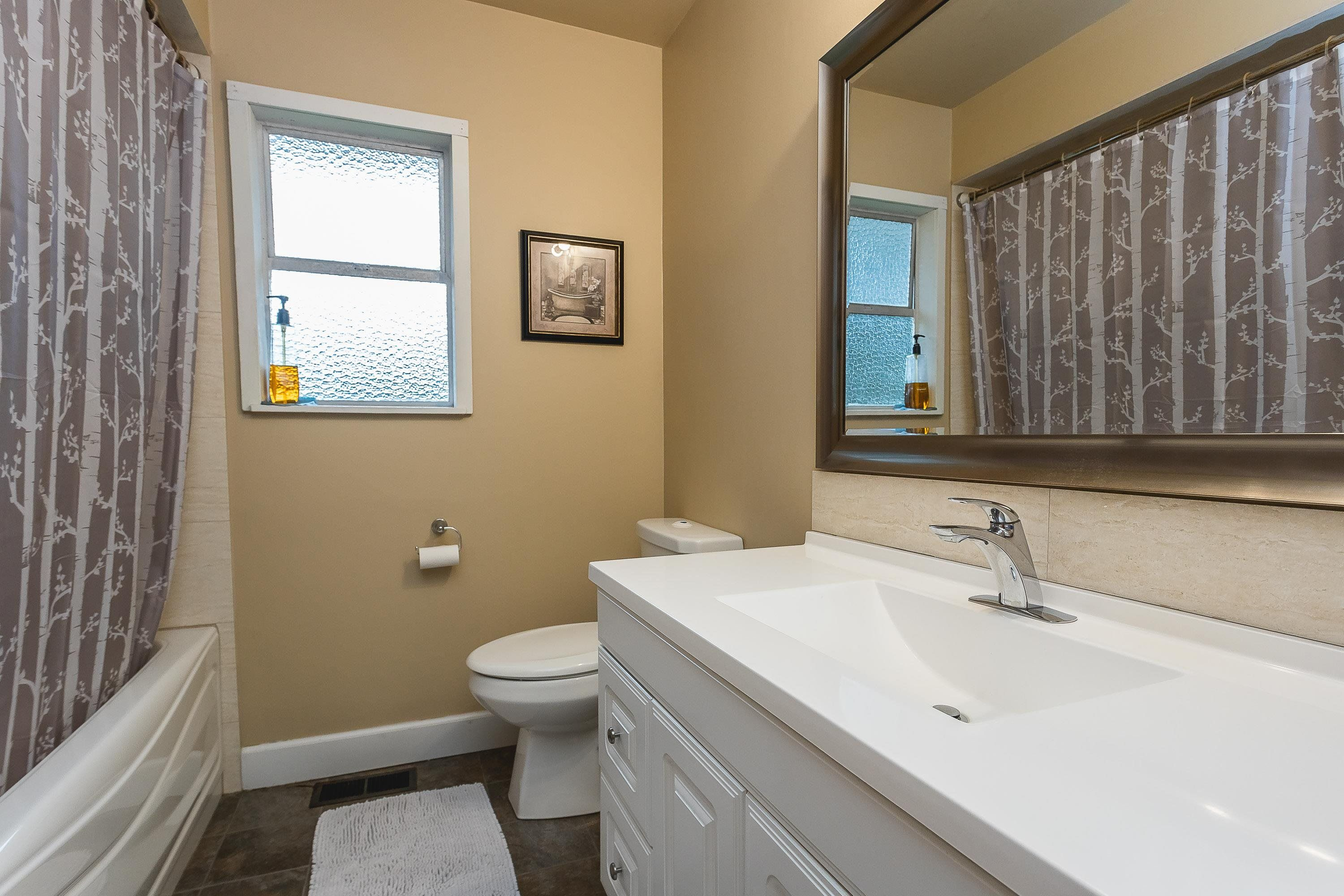 Photo 5: Photos: 3260 ULSTER Street in Port Coquitlam: Lincoln Park PQ House for sale : MLS®# R2613283