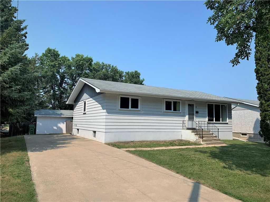 Main Photo: 16 Kirby Avenue East in Dauphin: R30 Residential for sale (R30 - Dauphin and Area)  : MLS®# 202118309