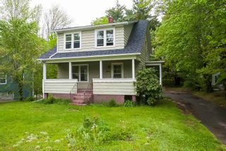 Photo 1: 160 High Street in Bridgewater: 405-Lunenburg County Residential for sale (South Shore)  : MLS®# 202113634