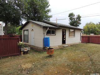 Photo 3: 802 Isabelle Street in Estevan: Hillside Residential for sale : MLS®# SK866337