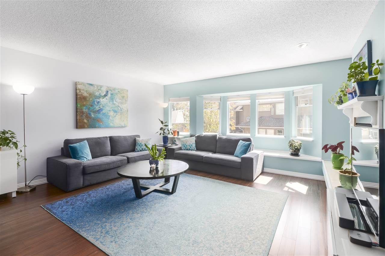"""Photo 6: Photos: 8881 LARKFIELD Drive in Burnaby: Forest Hills BN Townhouse for sale in """"PRIMROSE HILL"""" (Burnaby North)  : MLS®# R2494951"""
