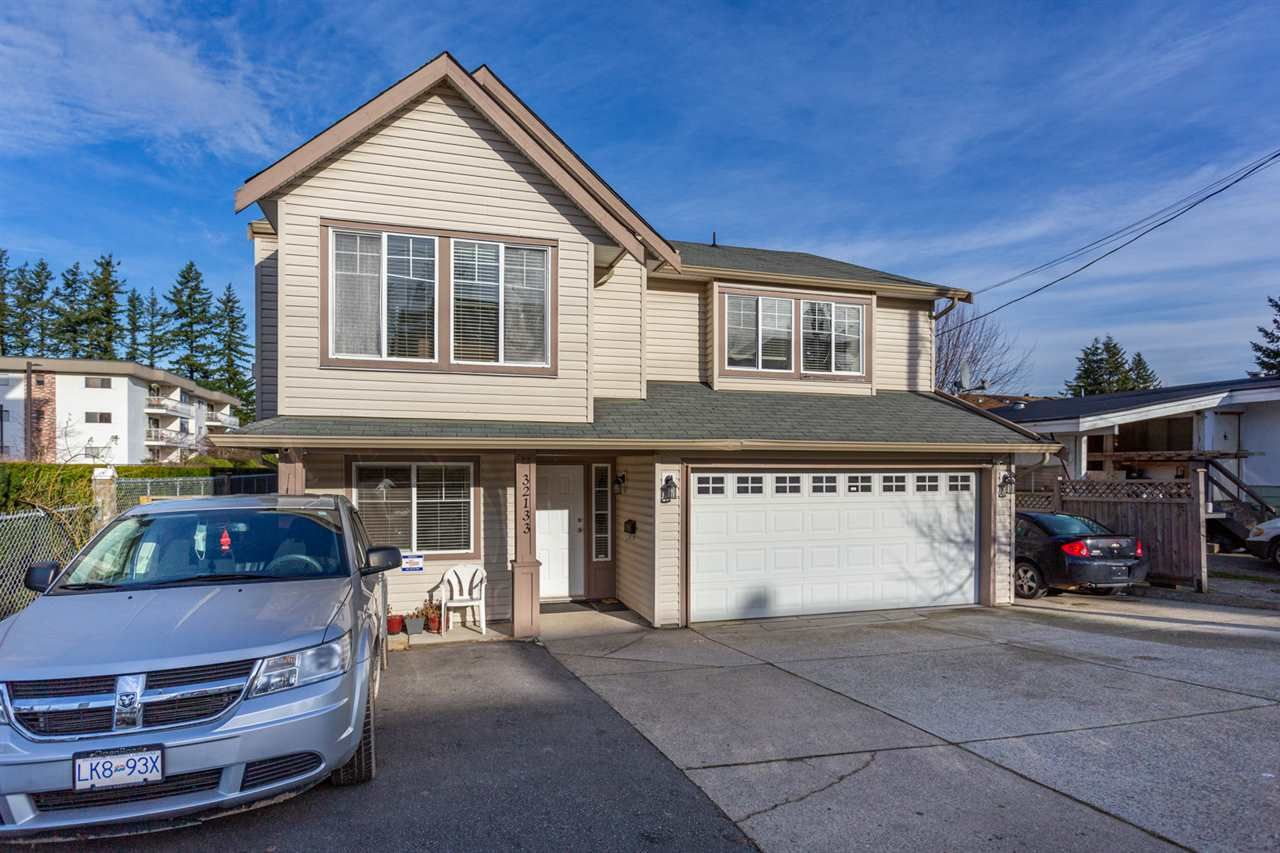Main Photo: 32133 GEORGE FERGUSON Way in Abbotsford: Abbotsford West House for sale : MLS®# R2530904