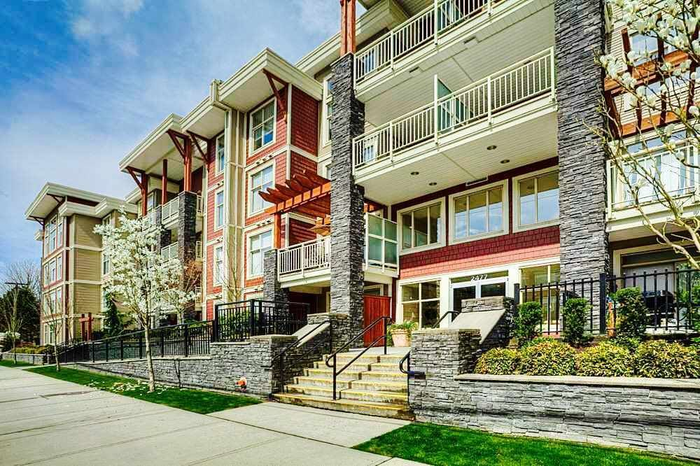 "Main Photo: 401 2477 KELLY Avenue in Port Coquitlam: Central Pt Coquitlam Condo for sale in ""SOUTH VERDE"" : MLS®# R2489292"