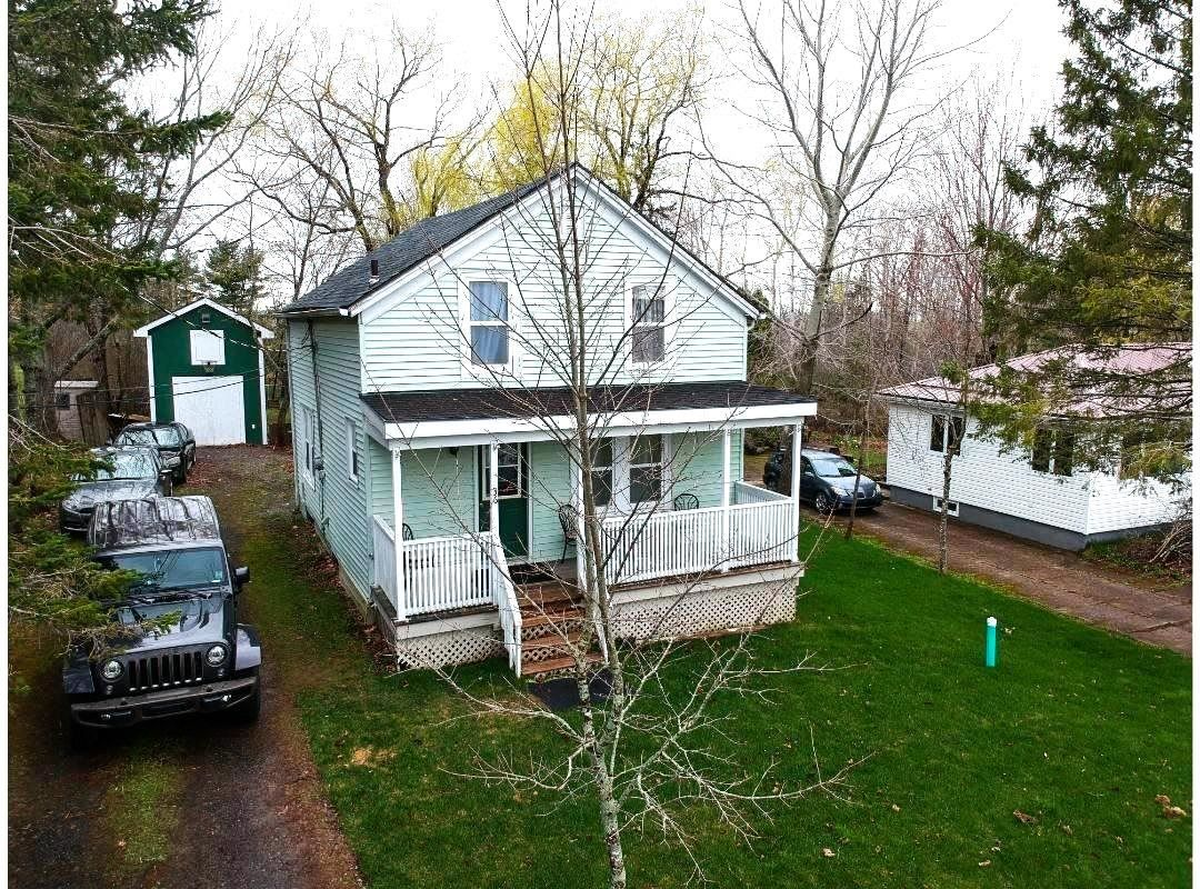 Main Photo: 36 Hillside Avenue in Wolfville: 404-Kings County Residential for sale (Annapolis Valley)  : MLS®# 202110596