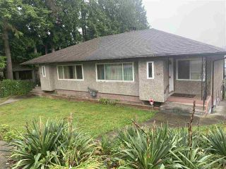 Photo 1: 42 - 44 TENTH Avenue in New Westminster: GlenBrooke North House for sale : MLS®# R2476324