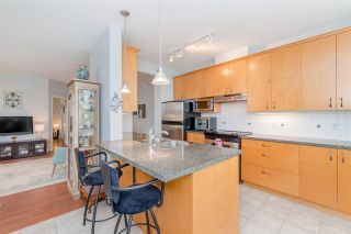 """Photo 9: 204 1580 MARTIN Street in Surrey: White Rock Condo for sale in """"Sussex House"""" (South Surrey White Rock)  : MLS®# R2357775"""