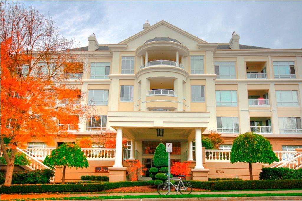 Main Photo: 424 5735 HAMPTON Place in VANCOUVER: Condo for sale : MLS®# V875876