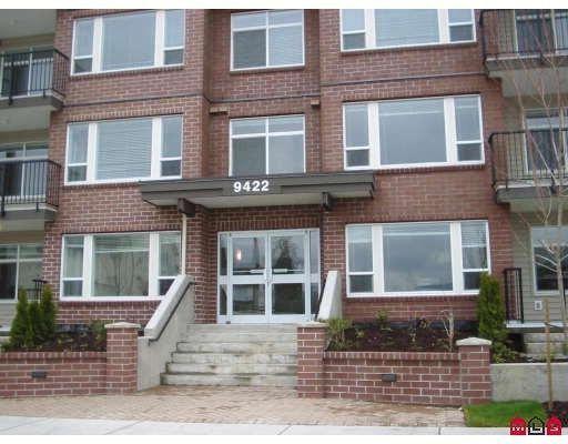 "Main Photo: 210 46150 BOLE Avenue in Chilliwack: Chilliwack N Yale-Well Condo for sale in ""NEWMARK"" : MLS®# R2217632"