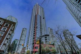 "Photo 1: 2001 1211 MELVILLE Street in Vancouver: Coal Harbour Condo for sale in ""RITZ"" (Vancouver West)  : MLS®# R2559926"