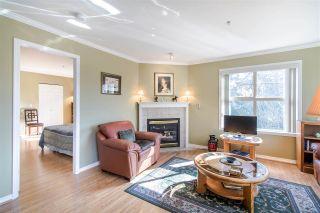 "Photo 8: 305 15325 17 Avenue in Surrey: King George Corridor Condo for sale in ""Berkshire"" (South Surrey White Rock)  : MLS®# R2450143"