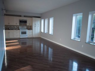 Photo 3: 2 20 Emily Street in Parry Sound: House (3-Storey) for lease : MLS®# X5370293