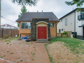 Photo 2: 1978 NASSAU Drive in Vancouver: Fraserview VE House for sale (Vancouver East)  : MLS®# R2619446