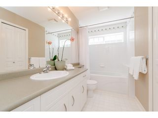 """Photo 15: 6 6177 169 Street in Surrey: Cloverdale BC Townhouse for sale in """"Northview Walk"""" (Cloverdale)  : MLS®# R2364005"""