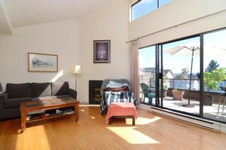 Photo 4: 26 220 E 4TH STREET in North Vancouver: Lower Lonsdale Townhouse for sale : MLS®# R2094449