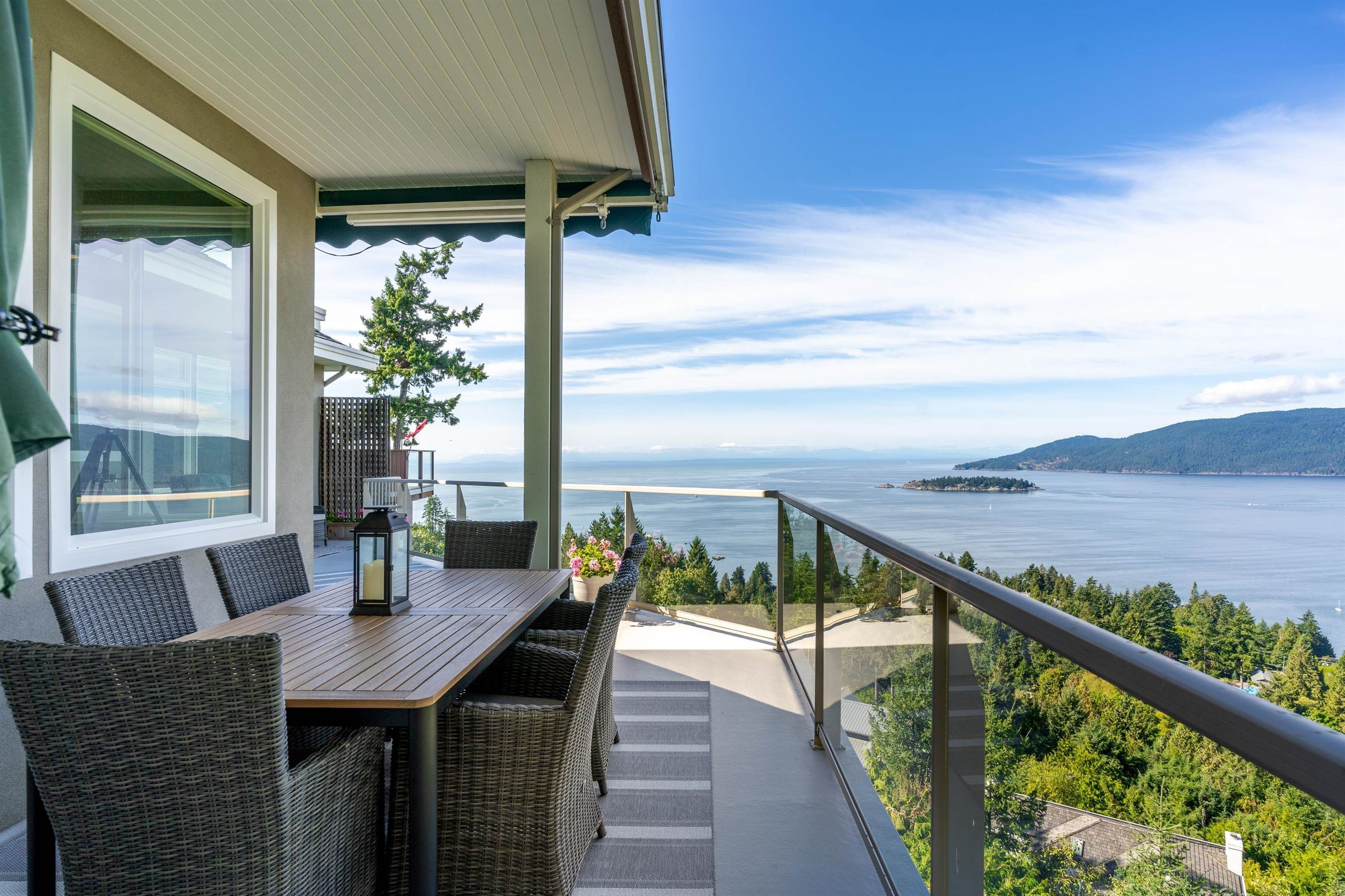 Main Photo: 5377 MONTE BRE Court in West Vancouver: Upper Caulfeild House for sale : MLS®# R2621979