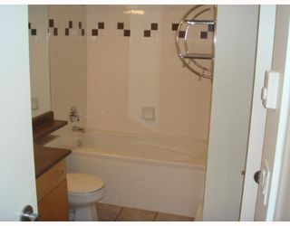 """Photo 5: 405-124 W 3RD ST in North Vancouver: Lower Lonsdale Condo for sale in """"THE VOGUE"""" : MLS®# V647120"""