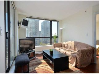 "Photo 7: 408 813 AGNES Street in New Westminster: Downtown NW Condo for sale in ""NEWS"" : MLS®# V989175"