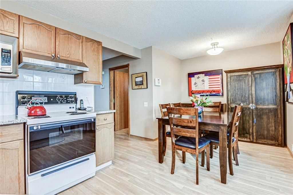 Photo 7: Photos: 62 RIVERCREST Circle SE in Calgary: Riverbend Detached for sale : MLS®# C4273736