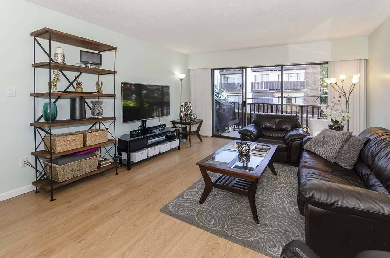 Main Photo: 304 170 E 3RD STREET in North Vancouver: Lower Lonsdale Condo for sale : MLS®# R2497173