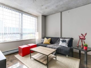"Photo 1: 905 STATION Street in Vancouver: Mount Pleasant VE Condo for sale in ""LEFT BANK"" (Vancouver East)  : MLS®# R2207266"
