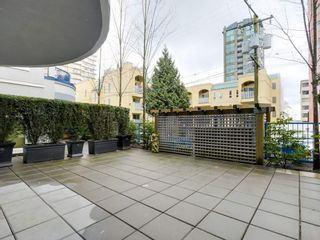 """Photo 11: 207 1924 COMOX Street in Vancouver: West End VW Condo for sale in """"WINDGATE BY THE PARK"""" (Vancouver West)  : MLS®# R2109767"""