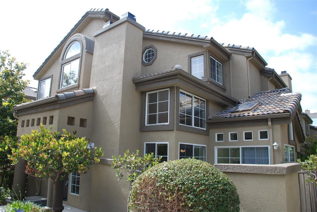 Main Photo: CARMEL VALLEY Townhouse for rent : 3 bedrooms : 12611 El Camino Real #E in San Diego