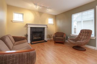 Photo 2: 1 921 Colville Rd in : Es Old Esquimalt House for sale (Esquimalt)  : MLS®# 860211