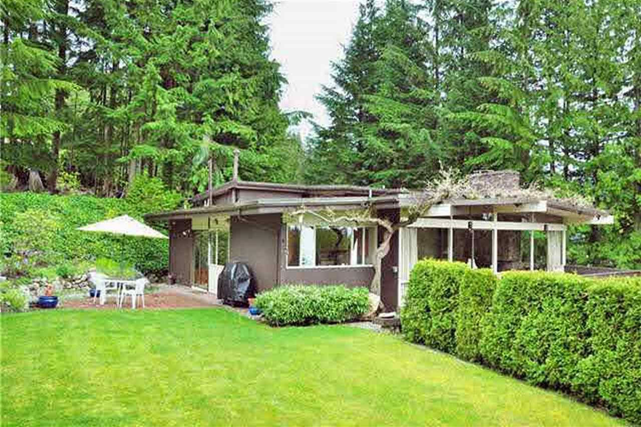Main Photo: 588 BARNHAM Place in West Vancouver: British Properties House for sale : MLS®# R2247471