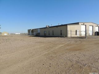 Photo 1: 353 Imperial Avenue in Estevan: East Industrial Commercial for lease : MLS®# SK872153