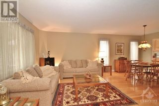 Photo 5: 52 OLDE TOWNE AVENUE in Russell: House for sale : MLS®# 1264483