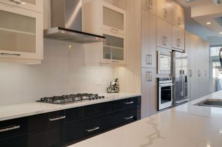 Photo 8: 2507 16A Street NW in Calgary: Capitol Hill Detached for sale : MLS®# A1082753