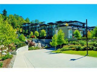 Photo 2: 402 7418 BYRNEPARK WALK in Burnaby: South Slope Condo for sale (Burnaby South)  : MLS®# R2053115