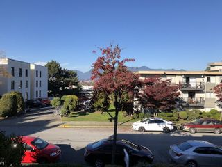 """Photo 2: 202 642 E 7TH Avenue in Vancouver: Mount Pleasant VE Condo for sale in """"Ivan Manor"""" (Vancouver East)  : MLS®# R2319383"""