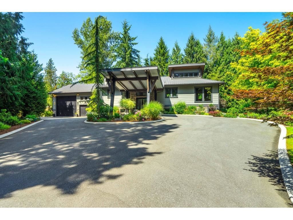 Main Photo: 24555 44 Avenue in Langley: Salmon River House for sale : MLS®# R2605289